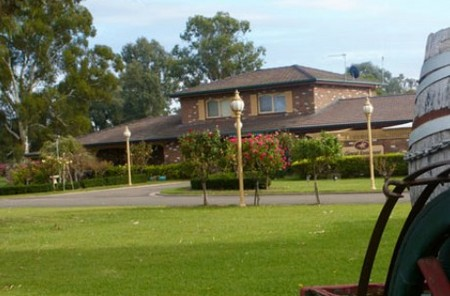 Carriage House Motor Inn - Great Ocean Road Tourism