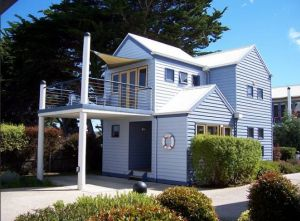 Rayville Boat Houses - Great Ocean Road Tourism