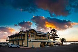 Arno Bay Hotel - Great Ocean Road Tourism