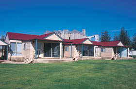 The Mac's Beachfront Villas - Great Ocean Road Tourism