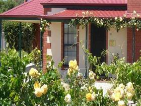 Wine And Roses Bed And Breakfast - Great Ocean Road Tourism