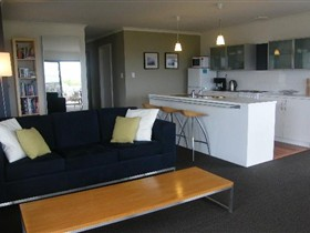 Coorong Waterfront Retreat - Great Ocean Road Tourism
