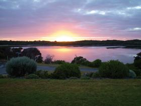 Lake View Apartments - Great Ocean Road Tourism