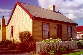 Devonport Historic Cottages - Great Ocean Road Tourism