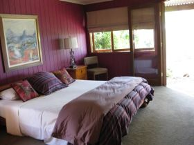 French Cottage and Loft - Great Ocean Road Tourism