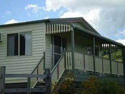 Halls Country Cottages - Great Ocean Road Tourism