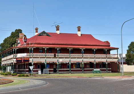 The New Coolamon Hotel - Great Ocean Road Tourism