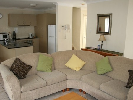 Pacific Sun Gold Coast Holiday Townhouse - Great Ocean Road Tourism