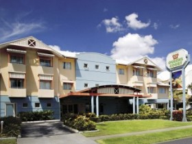 Cairns Queens Court Accommodation