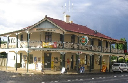 Royal Hotel Mandurama - Great Ocean Road Tourism