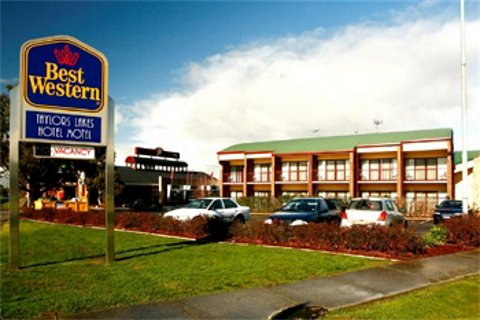 Taylors Lakes Hotel - Great Ocean Road Tourism