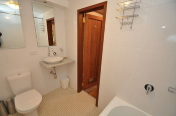 Camperdown 21 Brigs Furnished Apartment - Great Ocean Road Tourism