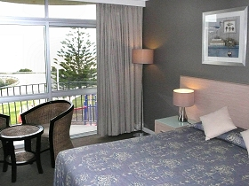 Scamander Beach Hotel Motel - Great Ocean Road Tourism