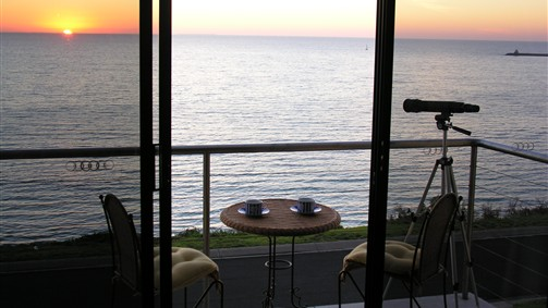 Clifftop Accommodation Portland Victoria - Great Ocean Road Tourism