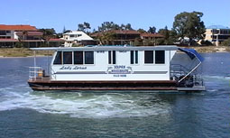 Dolphin Houseboat Holidays - Great Ocean Road Tourism