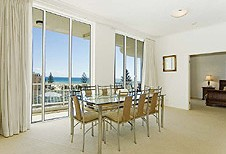 Kirra Beach Luxury Holiday Apartments - Great Ocean Road Tourism