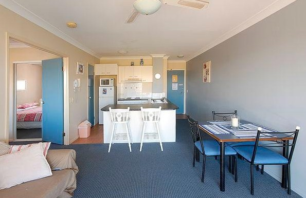 Shaz Maisons Beachside Holiday Apartments - Great Ocean Road Tourism