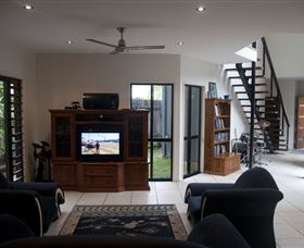 Dolphin Beach House - Great Ocean Road Tourism