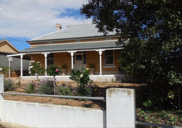 Book Keepers Cottage Waikerie - Great Ocean Road Tourism