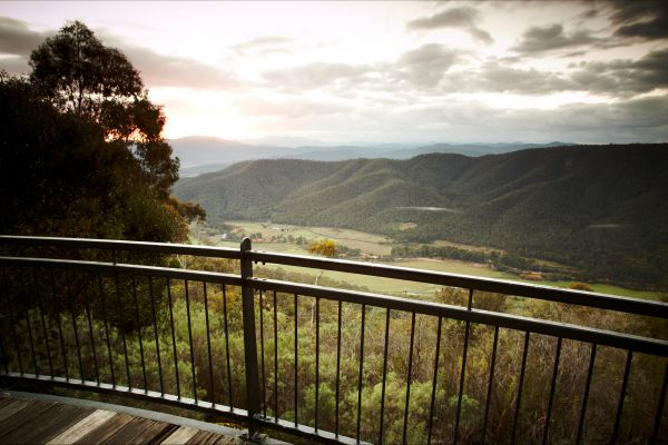 Pizzini's Vineyard Guesthouse - Great Ocean Road Tourism