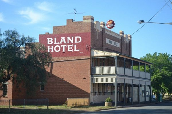 Bland Hotel - Great Ocean Road Tourism