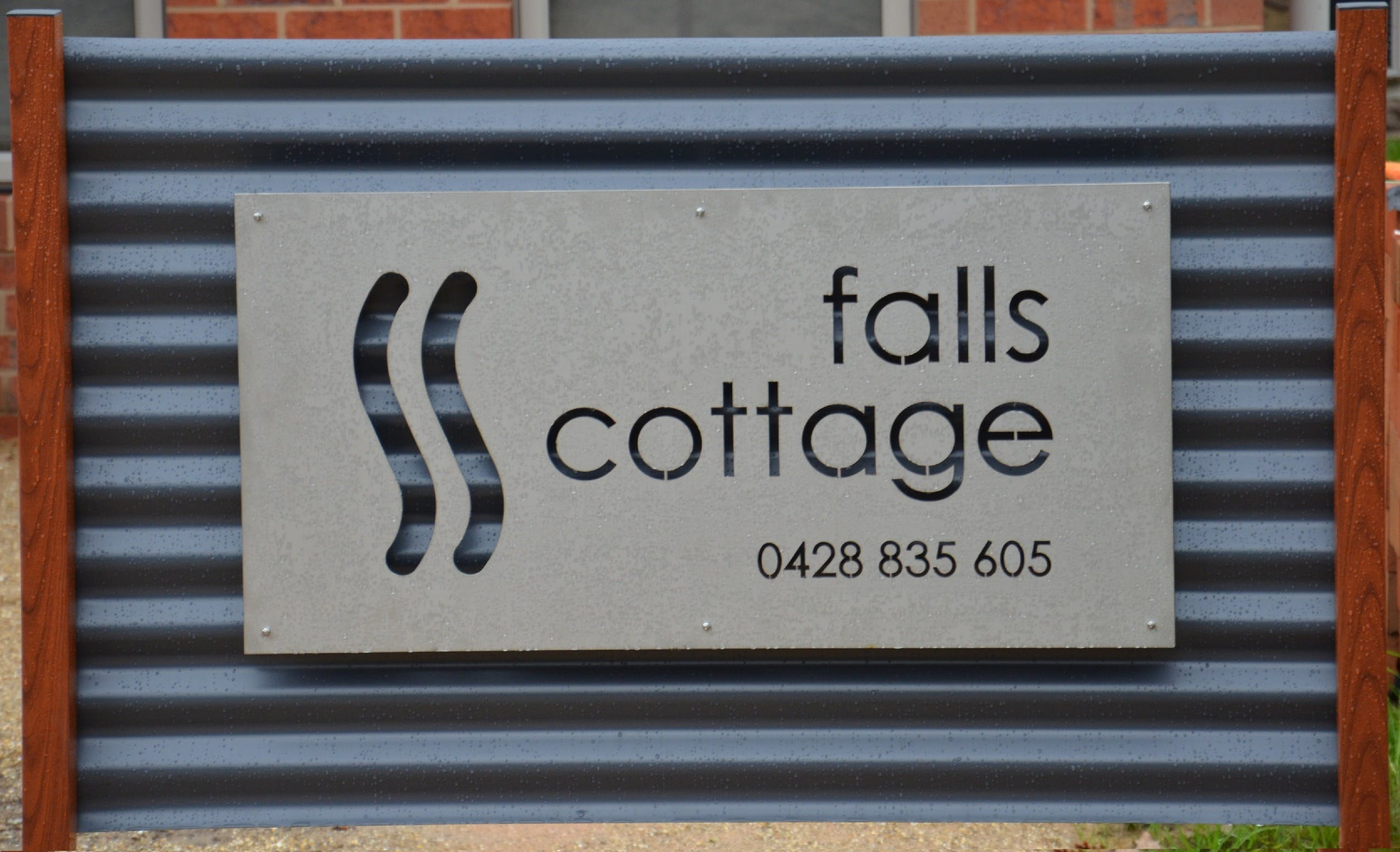 Falls Cottage Whitfield - Great Ocean Road Tourism