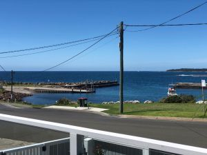 Escape at the Harbour - Great Ocean Road Tourism