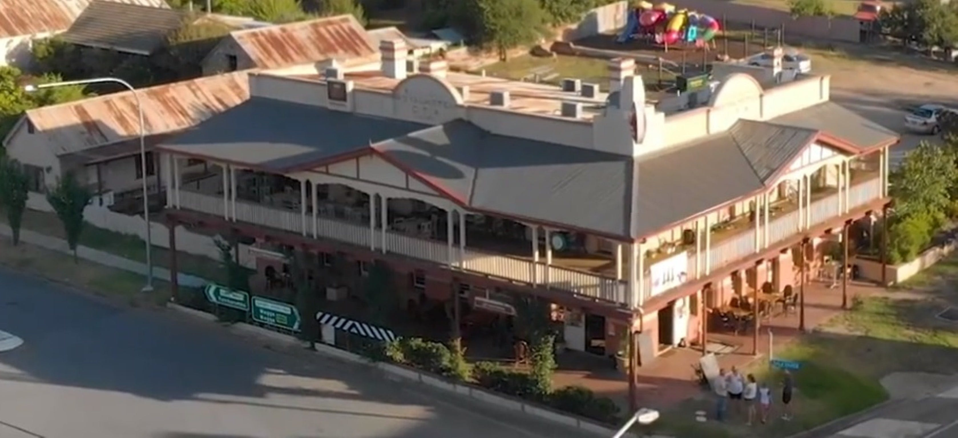 Royal Hotel Adelong - Great Ocean Road Tourism