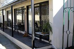 Courtside Cottage Bed and Breakfast - Great Ocean Road Tourism