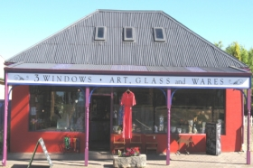 3 Windows Gallery - Great Ocean Road Tourism