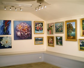 Ros McArthur Art Studio - Great Ocean Road Tourism