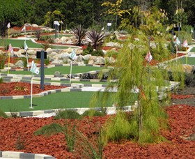 18 Hole Mini Golf - Club Husky - Great Ocean Road Tourism