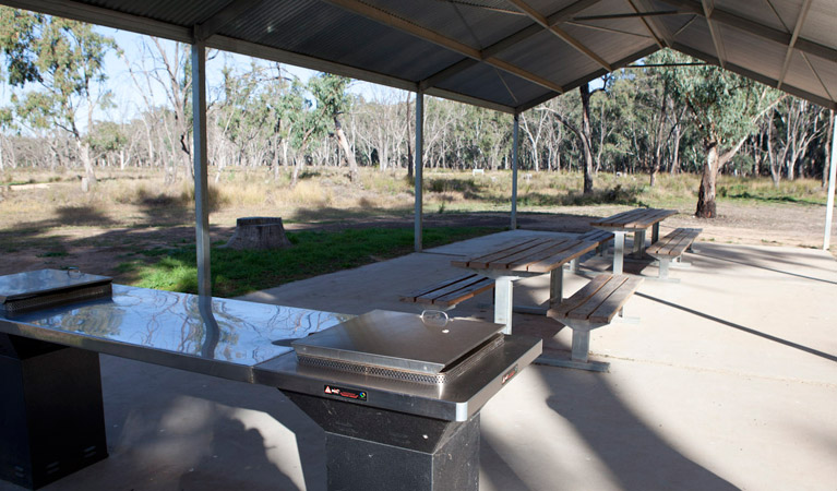 Yanga Woolshed picnic area - Great Ocean Road Tourism