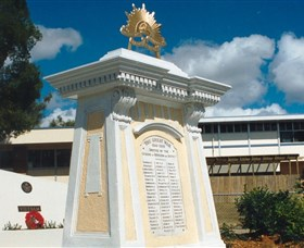 Beenleigh War Memorial - Great Ocean Road Tourism