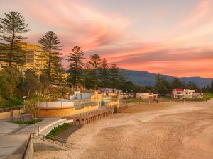 North Wollongong Beach - Great Ocean Road Tourism