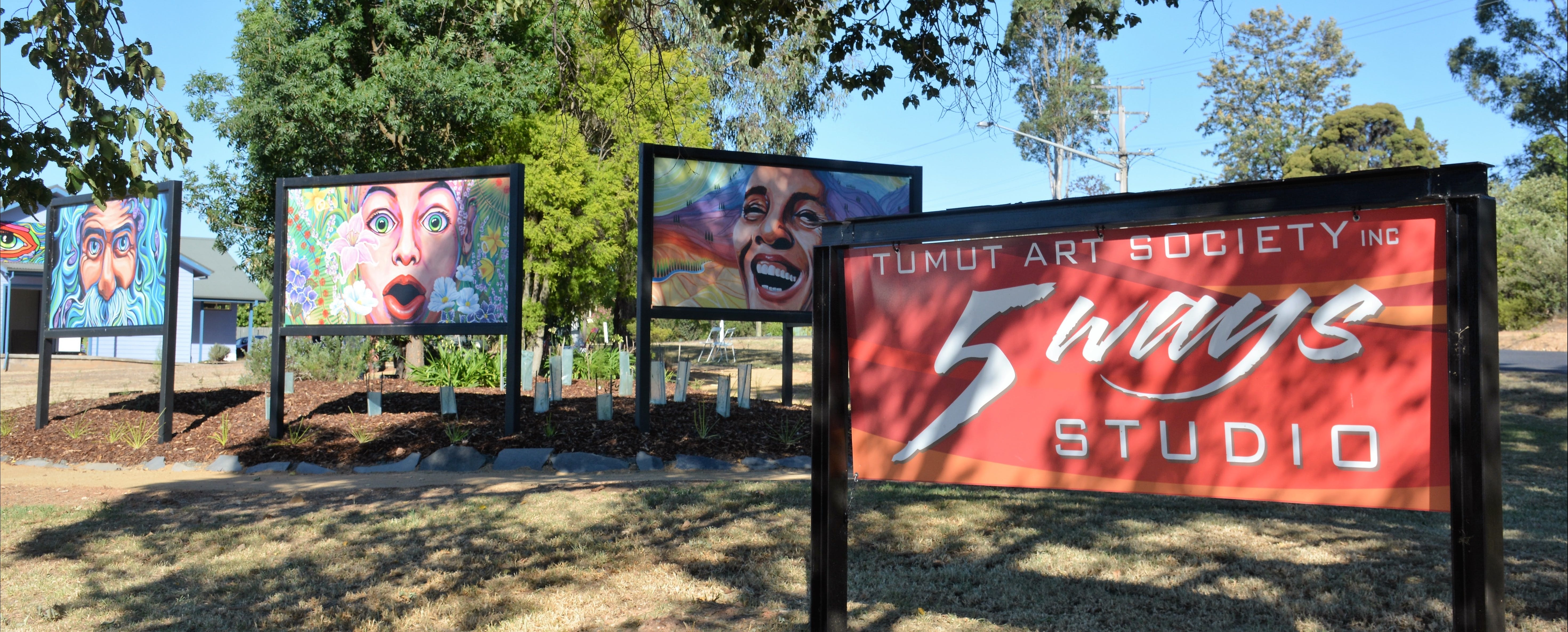 Tumut Art Society 5Ways Gallery - Great Ocean Road Tourism
