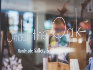 Under The Oak Handmade Gallery and Gifts - Great Ocean Road Tourism