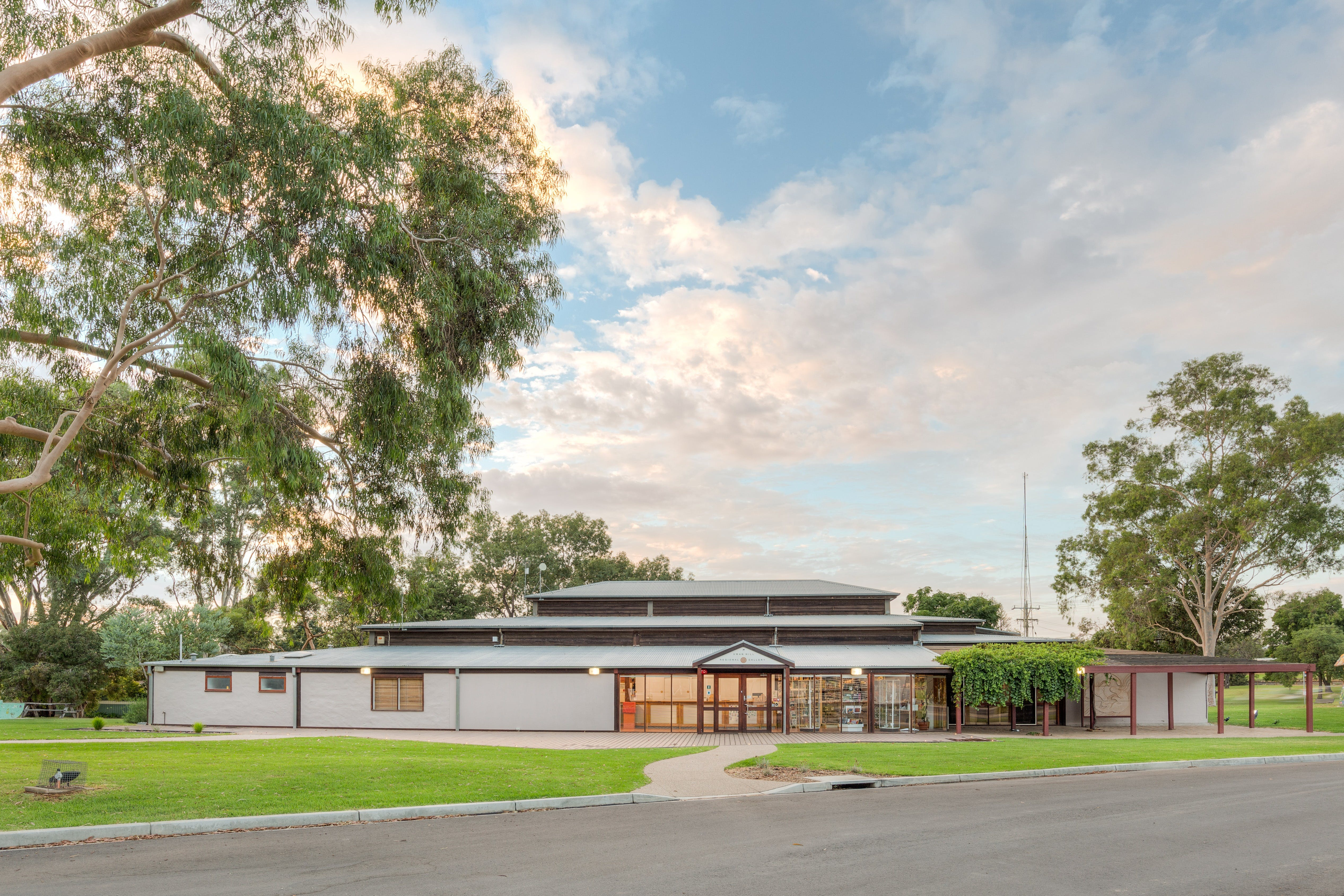 Swan Hill Regional Art Gallery - Great Ocean Road Tourism