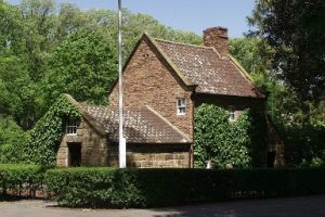 Cooks' Cottage - Great Ocean Road Tourism