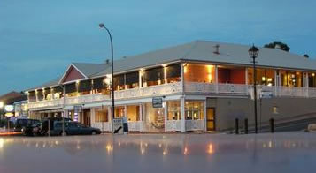 Seacliff Beach Hotel - Great Ocean Road Tourism