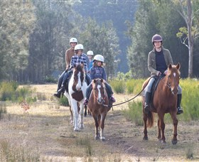 Horse Riding at Oaks Ranch and Country Club - Great Ocean Road Tourism