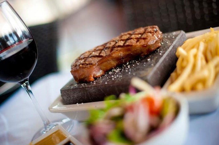 Black Angus Bar  Grill Restaurant - Great Ocean Road Tourism