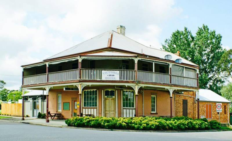 The Victoria Hotel Hinton - Great Ocean Road Tourism