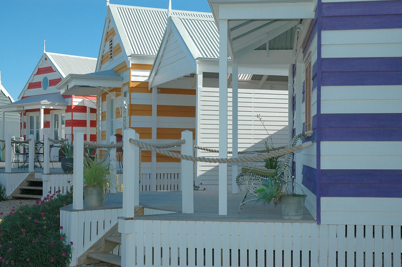 Beach Huts Middleton - Great Ocean Road Tourism