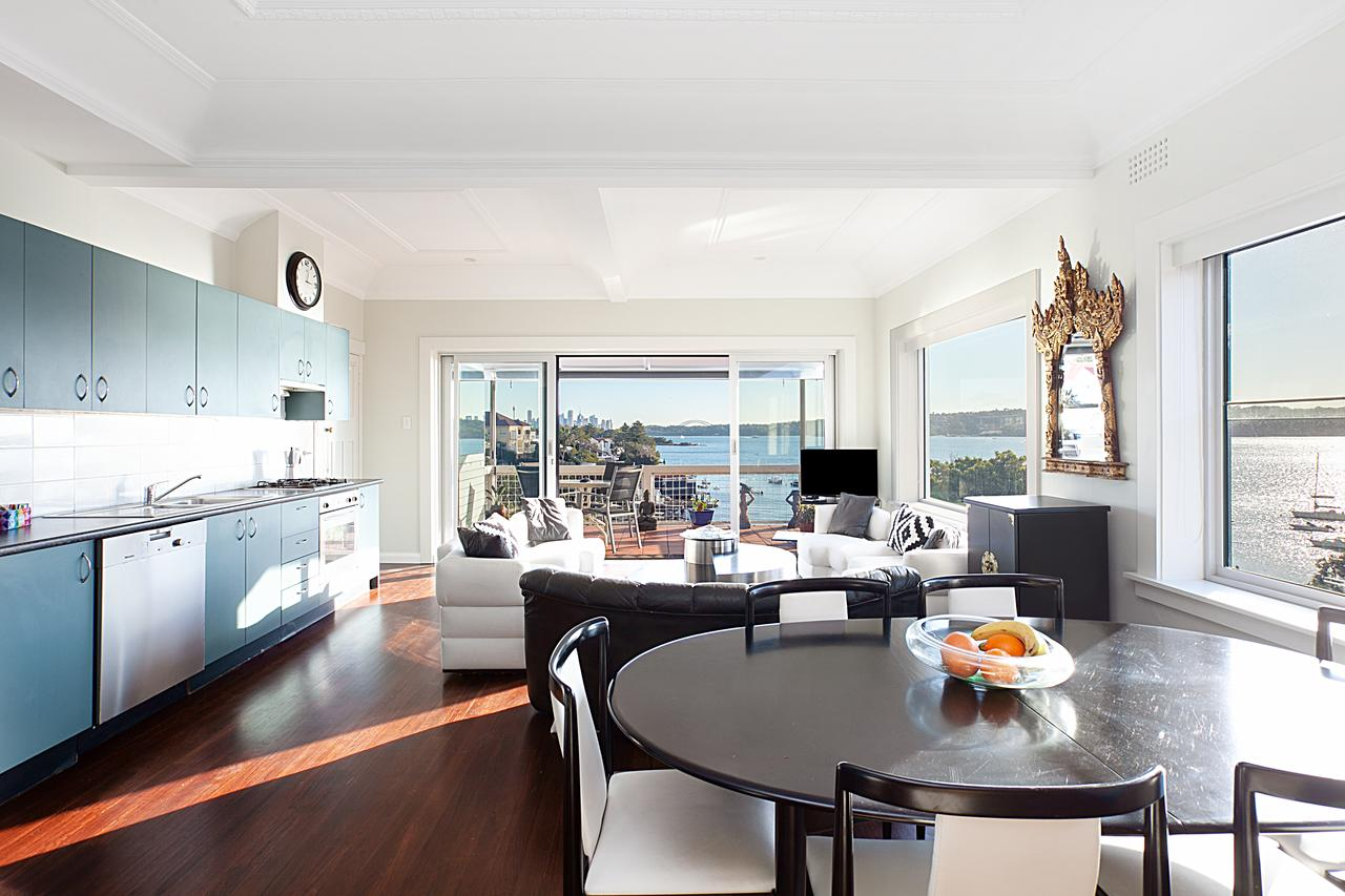 Art Deco Apartment With Breathtaking Water Views - Great Ocean Road Tourism