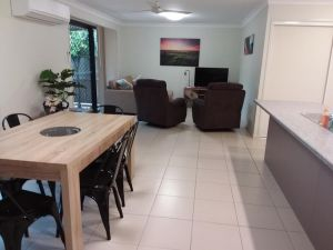 Waratah and Wattle Apartments - Great Ocean Road Tourism