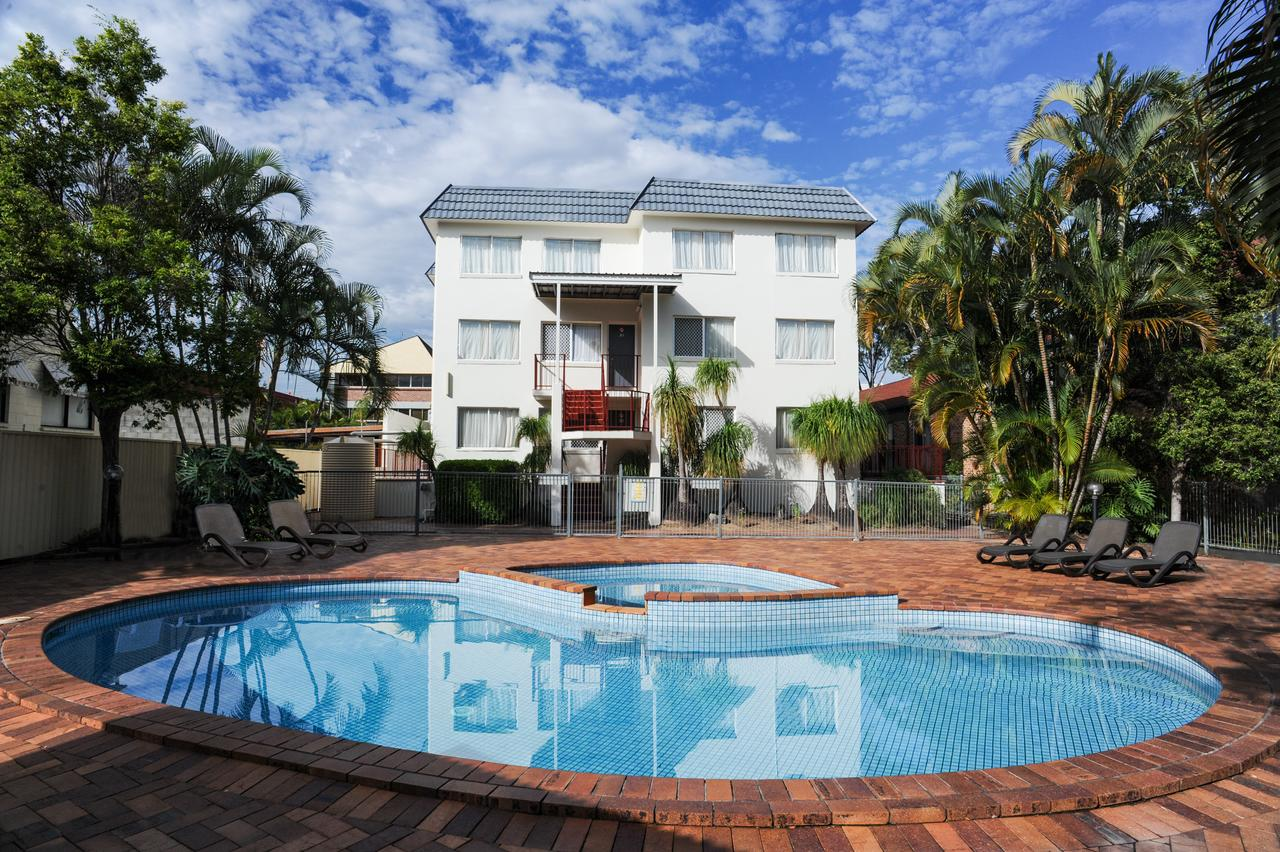 Earls Court Motel  Apartments - Great Ocean Road Tourism