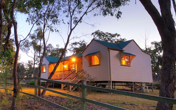 Accommodation Creek Cottages  Sundown View Suites - Great Ocean Road Tourism