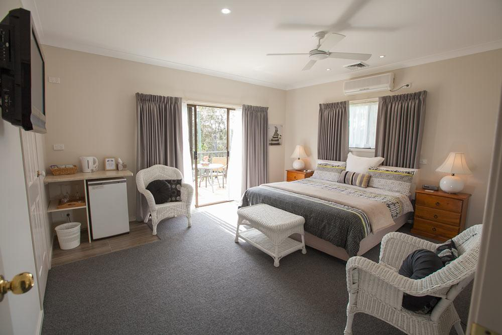 Batemans Bay Manor - Bed and Breakfast - Great Ocean Road Tourism